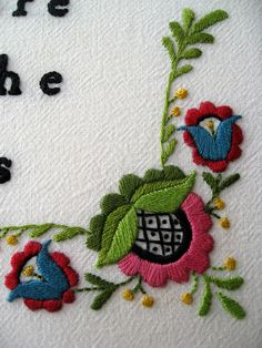 mbmbam embroidery, flower detail. By Laura Hartrich