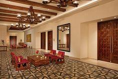 Meeting rooms' indoor foyer