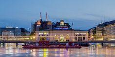 Genève – Geneva Geneva, Canada, Mansions, House Styles, Lake Geneva, Travel, Fancy Houses, Mansion, Manor Houses