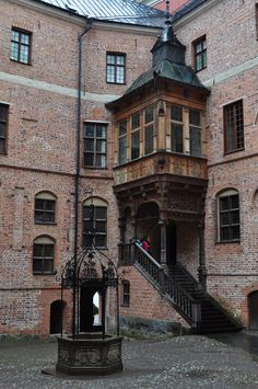 Saw something similar in Montreal... the windows are taking over! Gripsholm, Sweden (by byb64)