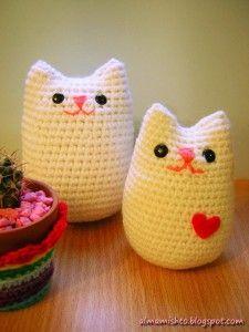 Lindos gatos amigurumi, patrón en español. Rápido y fácil de hacer.