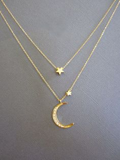 Star and Crescent Moon Necklace, Layered Necklace, Gold Moon star necklace, I love you to the moon and back, layer necklace dainty door Muse411 op Etsy https://www.etsy.com/nl/listing/160774209/star-and-crescent-moon-necklace-layered