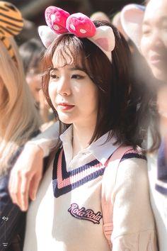 Sooyoung, Yoona, Yuri, Sunny Snsd, Girls' Generation Tts, Korean Girl Band, Girl Bands, First Girl, Sunnies