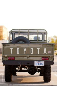 Toyota Land Cruiser Pick-Up Truck Pick Up, Toyota Fj40, Toyota Trucks, Fj Cruiser, Toyota Land Cruiser, Station Wagon, Cool Trucks, Cool Cars, Royce