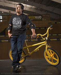 Eddie Fiola and his new EF Proformer BMX bike. #Freestyle #BMX #OldSchool Why yes, that is a Porkchop BMX Pork Neck stem on it.