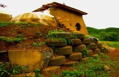 Earthship Makes Landfall in Nicaragua, Builds Home Out of Tires : TreeHugger