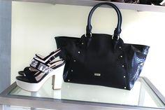 Unisci la passione per le scarpe alla bellezza delle borse e ottieni un abbinamento perfetto!  Scopri i nuovi arrivi primaverili sul nostro sito  #pinko #janet #vidorreta #scarpe #borse #donna #accessori #shopping #borsa #mia #adoro #tiamo #molise #unica #tivoglio #bella #scarpa #sandali #ragazza #borsetta #gabs #michaelkors #twist #amo #cuoricino #stupenda #regalo #outfit #sandalo