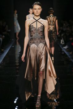 Reem Acra Fall 2016 Ready-to-Wear Fashion Show   http://www.theclosetfeminist.ca/  http://www.vogue.com/fashion-shows/fall-2016-ready-to-wear/reem-acra/slideshow/collection#2