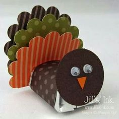 This is just too, too cute! Gotta make some of these for Thanksgiving favors! All my nieces and nephews will love them, even their parents :) Turkey Nugget Favor Fall Crafts, Holiday Crafts, Holiday Fun, Crafts For Kids, Toddler Crafts, Thanksgiving Favors, Thanksgiving Decorations, Thanksgiving Turkey, Thanksgiving Name Cards