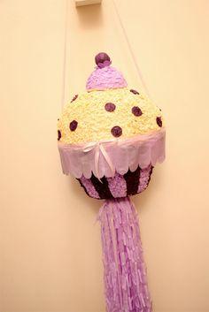 Piñatas~Cupcake Piñata