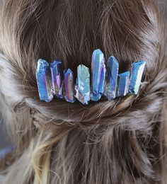 The 38 Most Creative DIY Hair Accessories We Could Find 38 Creative DIY Hair Accessories – Lightsaber Crystals Hair Comb – Create Pretty Hairstyles for Women, Teens and Girls with These Easy Tutorials – Vintage and Boho Looks for Prom and Wedding – Step b Hair Accessories For Women, Diy Accessories, Diy Hair Accessories Tutorial, Vintage Hair Accessories, Diy Lightsaber, Do It Yourself Fashion, Unique Hairstyles, Pretty Hairstyles, Diy Hairstyles