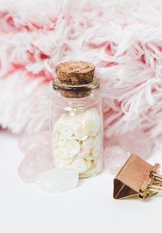 photo gratuite girly blogueuse pink glitters jar styled stock flat lay Glitter Jars, Pink Glitter, Girly, Blog, Happiness, Instagram, Flat Lay, Glitters, Colorful