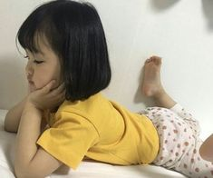 mom and baby Kwon Yuli ♡♡ uploaded by 🍒┊𝙡𝙚𝙩𝙞𝙘𝙞𝙖. 🤟 on We Heart It gambar asiatisches Baby, Baby und Kind Cute Baby Meme, Baby Memes, Cute Baby Videos, Cute Asian Babies, Korean Babies, Asian Kids, My Baby Girl, Mom And Baby, Baby Love