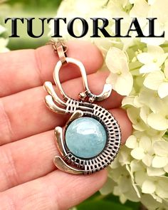 This is a FREE tutorial on how to make a wire wrapped pendant using copper wires and a drilled flat stone bead. #lacylovestudio @lacylove