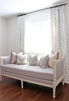 Daybed + lilac hues