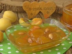 Apricot Marmalade Fabrication : Apricot jam In making; Wash 1 kilo apricot and cut in half with the help of a knife. Separate the apricot kernels. Healthy Eating Tips, Healthy Nutrition, Healthy Meals, Apricot Marmalade Recipe, Natural Fertility, Fiber Diet, Vegetable Drinks, Turkish Recipes, Food Menu
