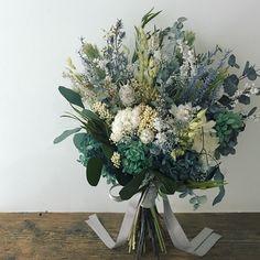 Wedding Dreams, Dream Wedding, Boho Flowers, Love Is All, Wedding Bouquets, Glass Vase, Floral Wreath, Wreaths, Plants