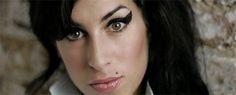 Para você relembrar a cantora mais famosa e que mais vendeu disco na Grã-Bretanha, o Catraca Livre separou dicas para ver e ouvir Amy Winehouse