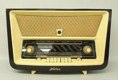 A Polish Bolero 3281 model valve radio, dark wood