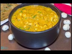 Phool Makhana Curry, a nutrition rich curry made out of lotus seed. This is a very healthy and delicious curry that goes well with any Indian Breads! Masala Curry, Indian Food Recipes, Ethnic Recipes, Masala Recipe, Curry Recipes, Tasty Dishes, Good Food, Cooking Recipes, Nutrition