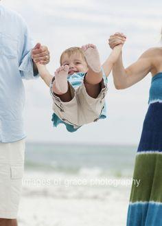Family photos at the beach