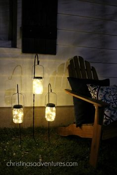 solar powered mason jar lights on hooks - great idea for outdoor lighting .solar powered mason jar lights on hooks - fantastic idea for outdoor lighting More solar panels, solar energy, solar energy, solar Mason Jar Projects, Mason Jar Crafts, Mason Jar Diy, Diy Projects, Solar Mason Jars, Landscape Lighting, Outdoor Lighting, Outdoor Decor, Lighting Ideas