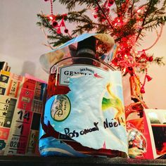 Cadeau reçu anonymement de Trois-Rivières. Malheureusement JACO ne sait pas lire. Merci beaucoup pour le #jackdanielsgentleman ! Je vais essayer de ne pas le finir avant Noël! #pasavantnoël #christmasgifts #underthetree #gift #thanks #gratitude #magie9 #magiedenoel #Nepaslâcher #lifesgood #LifeIsShort #mercilavie #summeriscoming