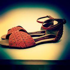 Linda e deliciosa nos pés. #koquini #sapatilhas #euquero#rasteirinha
