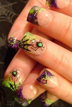 Give life to your Halloween nails with wonderful glitter pant. Paint on small spiders with cobwebs on your nails and add cute little details such as stars to complete the look.