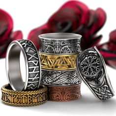 Custom made viking rune rings, wedding rings and fashion bands. Made in gold, silver, platinum or palladium! Custom designs available. Celtic Wedding Rings, Wedding Bands, Celtic Rings, Viking Wedding, Magical Jewelry, Unique Jewelry, Ring Armband, Steampunk Accessoires, Style Masculin