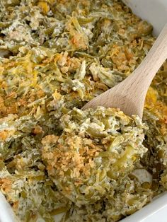Canned green beans, cheese, french fried onions, and a few seasonings is all you need for the best green bean casserole. This green bean casserole has no mushrooms and no creamed soups in it! Cheesy Green Bean Casserole, Homemade Green Bean Casserole, Thanksgiving Green Beans, Thanksgiving Recipes, Thanksgiving Casserole, Can Green Beans, Green Onions, The Best Green Beans, Healthy Casserole Recipes