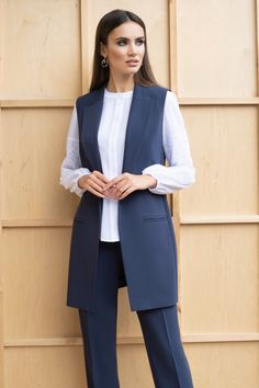 Classic Work Outfits, Stylish Work Outfits, Classy Outfits, Chic Outfits, Fashion Outfits, Vest Outfits, Modern Hijab Fashion, Muslim Fashion, Suit Fashion
