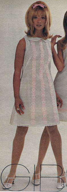 Seventeen April 1967. Cay Sanderson