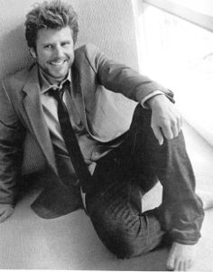 James Roday from Psych. Me likey. Shawn And Juliet, Shawn And Gus, Shawn Spencer, Maggie Lawson, Beautiful Men, Beautiful People, James Roday, Book People, Love To Meet