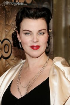 Debi Mazar's fabulous 1940s hair style. Debi is my favorite chef on the cooking channel , she has a show with her husband Gabriele, it's called  (Extra Virgin) with really fabulous Italian food♡