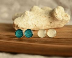 Stud earrings set, teal and white stud earrings, small hand painted circle metallic post ear studs, sterling silver studs earrings set Wooden Earrings, Sterling Silver Earrings Studs, Stud Earrings, Wooden Jewelry Boxes, Ear Studs, Resin Jewelry, Earring Set, Delicate, Teal