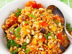 Fried Rice, Grains, Ethnic Recipes, Koti, Kitchen, Cooking, Kitchens, Cuisine, Seeds