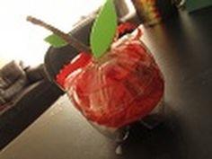Manzana-Dulcero reciclado para el día del MAESTRO