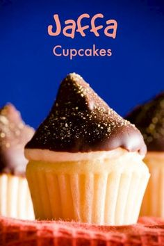 This Jaffa cupcake recipe has an orange jam buttercream, a chocolate dip, and a dusting of orange zest. It is the cupcake version of a Jaffa cake! Cupcake Recipes, Baking Recipes, Cupcake Cakes, Dessert Recipes, Cup Cakes, Chocolate Mousse Frosting, Chocolate Cupcakes, Köstliche Desserts, Delicious Desserts