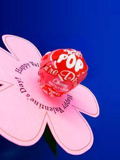 Lollipop Lilly -- Kid-Made Valentines. #crafts http://www.ivillage.com/our-favorite-kid-made-valentines/6-b-423316#423419