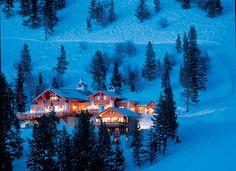 Game Creek Club. Wedding venue in Vail, Colorado. #mountainwedding //// ski-in wedding @donnydillard ?? :)
