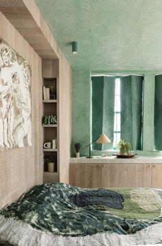 〚 Cool lime-colored loft apartment in London 〛 ◾ Photos ◾Ideas◾ Design Loft, London Apartment, Lighted Bathroom Mirror, Dutch House, Interior, Stunning Interiors, Green Interiors, Balcony Design, Loft Apartment
