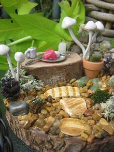 Miniture Fairy Scene https://www.etsy.com/listing/107321738/enchanting-miniature-fantasy-fairy-scene