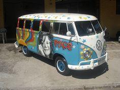 Peace and Love Hippie Woodstock/vw with peacesign   PLANETA KOMBI