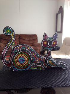 Gato en puntillismo Made by jannie Dot Art Painting, Mandala Painting, Aboriginal Dot Art, Mandala Canvas, Australian Art, Yard Art, Love Art, Mosaic, Shoulder Bag