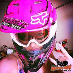 22 super Ideas for pink dirt bike helmets Dirt Bike Helmets, Dirt Bike Gear, Racing Helmets, Pink Dirt Bike, Pink Motorcycle, Motocross Girls, Motocross Gear, Lady Biker, Biker Girl