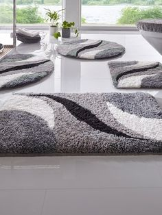 Second Hand Red Carpet Runner Code: 5521662057 Diy Carpet, Modern Carpet, Modern Rugs, Rug Hooking Designs, Living Room Decor Colors, Crochet Carpet, Latch Hook Rugs, Patchwork Cushion, Rug Inspiration
