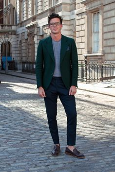 green blazer is bold // this is done almost perfectly
