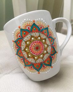 Russian artist Anastasia Safonov makes decorative tableware that's hand-painted with mesmerizing mandala art.  https://www.instagram.com/ana_artstudio/
