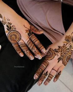 What is a Henna Tattoo? Henna tattoos are becoming very popular, but what precisely are they? Henna Hand Designs, Finger Mehendi Designs, Pretty Henna Designs, Latest Henna Designs, Stylish Mehndi Designs, Mehndi Designs For Beginners, Unique Mehndi Designs, Mehndi Designs For Fingers, Beautiful Mehndi Design